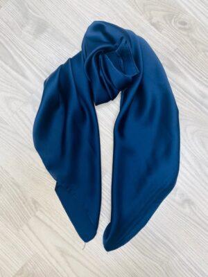 Bella Donna lille blåt tørklæde dame i silke lookk