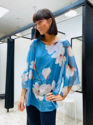 Blomstret onesize bluse